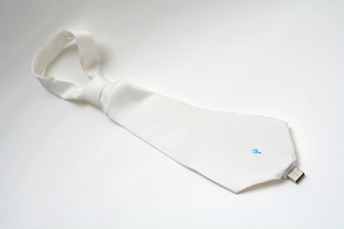 Usb-flash-drive-tie