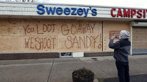 Hurricane_sandy_looting